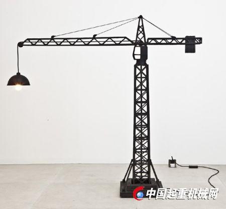 可爱的工业设计:起重机吊灯
