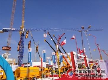 科曼薩杰牌塔式起重機亮相印度國際工程機械展