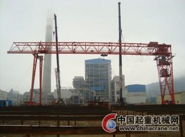 阳西项目机械公司圆满完成40t龙门吊桥架吊装