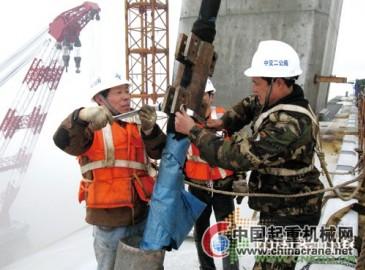 象山港大桥正式启动主桥斜拉索吊装施工