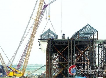 苏州火车南站房第一榀钢屋架顺利吊装完成实现正常滑移