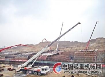 中联重科工程起重机助力山东临沂三河口隧道工程建设
