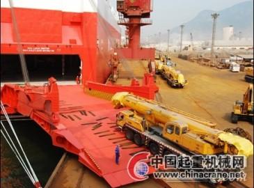 徐工127台大吨位汽车起重机成功起航远赴南美