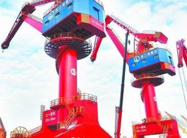 湛江港(集团)新年伊始再增4台25吨龙门吊