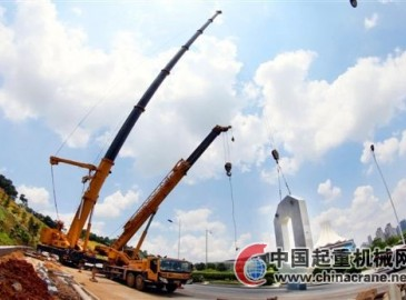 重型轮式吊车助力南宁国际会展中心吊装施工