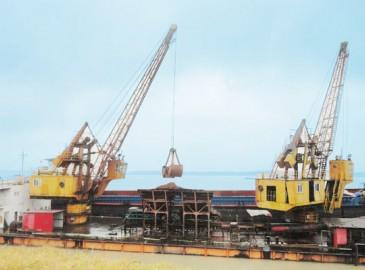 枞阳海螺装运分厂顺利完成1#吊机检修工作