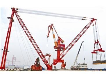 天津临港经济区600?#27835;?#26438;式起重机完成性能及安全装置试验 即将投用