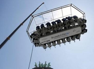 """布魯塞爾現""""空中餐廳""""猜猜看是哪個品牌超級起重機"""