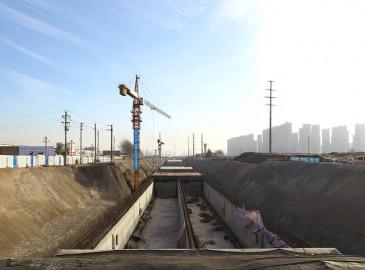 河南建首条地下三层综合环廊 底层铺管线上面跑汽车