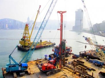 徐工气动潜孔锤旋挖钻机助建香港维多利亚港