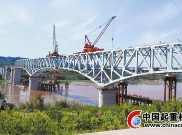 成贵铁路特大桥合龙克服偏差难题 2018年通车3小时到贵阳7小时到广州