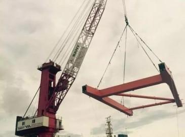 国内首台自主产权100吨级港口高架起重机交付 三一填补国内空白