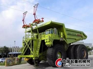 """中国最大吨位电动轮矿用车""""漂洋过海""""发往非洲西南部"""
