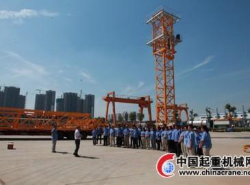 陕建机械首台STC7020平头塔机新产品发运市场