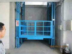 河南單缸導軌貨梯生產廠家