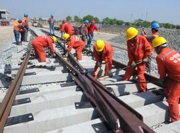 常州市轨道交通1号线一期工程武进段正式铺轨
