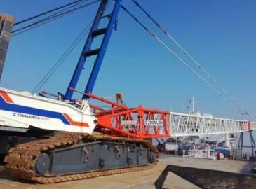 中聯重科履帶吊圓滿完成世界首個分體式海上升壓站吊裝!