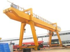 临翔港口起重机结构合理