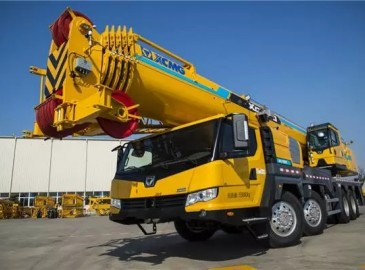 百吨级吊装三剑客---徐工XCT90、XCT100、XCT130汽车起重机