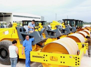國機重工(洛陽)壓路機批量出口東南亞