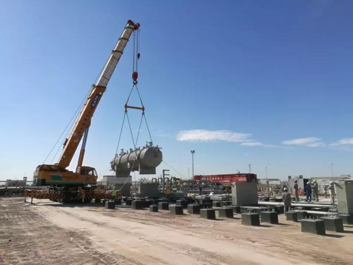中油建在伊拉克承建的项目核心设备吊装就位