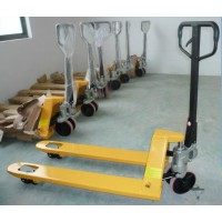 北京叉车专业生产13520570267