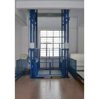 重庆销售导轨货梯:13677679899王经理