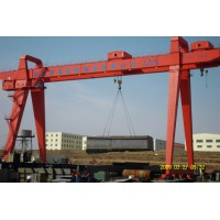 河南郑州双梁吊钩门式起重机生产厂家15736935555