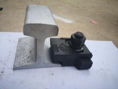专业生产压轨器与轨道配件20年13262187779