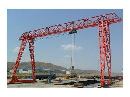 丹东起重机供应振兴门式起重机质优价廉17640084055