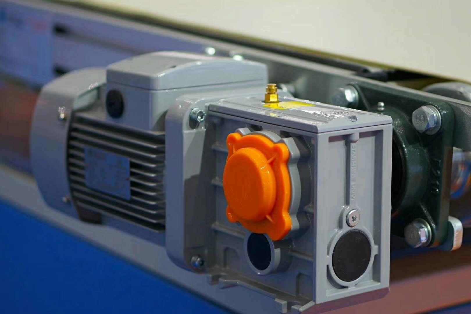 郑州行车减速机,三合一电机减速机,起重机减速机厂家批发