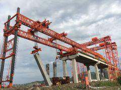 宁波舟山港主通道项目实现国内首次墩梁一体化架桥机安装!