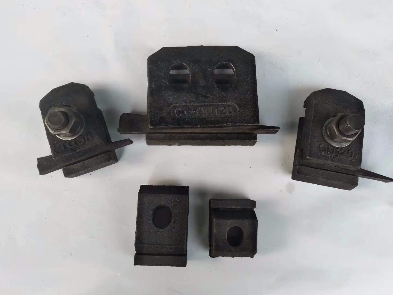 新乡宏鑫产压轨器夹板压板材质Q23513262187779