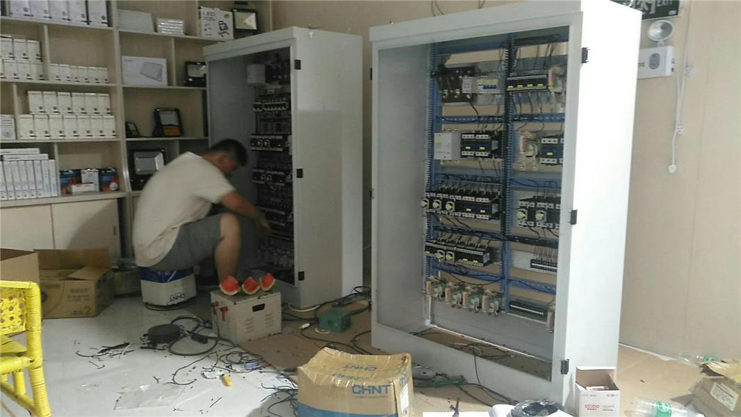 双梁电气柜厂家科欧达起重电器有限公司