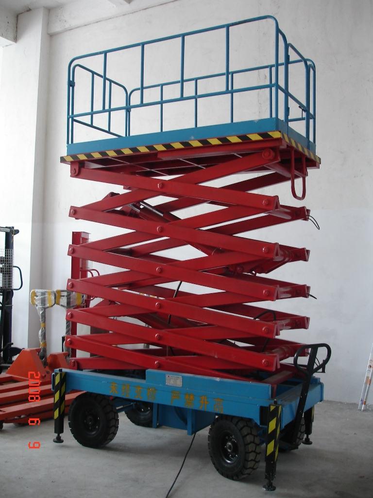 南宁起重机-升降平台拆迁安装