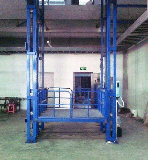 济南厂家生产液压导轨链条式升降机 液压货梯升降货梯质优