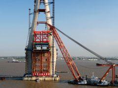 江苏格雷特参建全球首台1800吨架梁吊机!