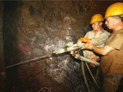 赣深铁路第三标段的21座隧道已开工14座 推助建设进程!