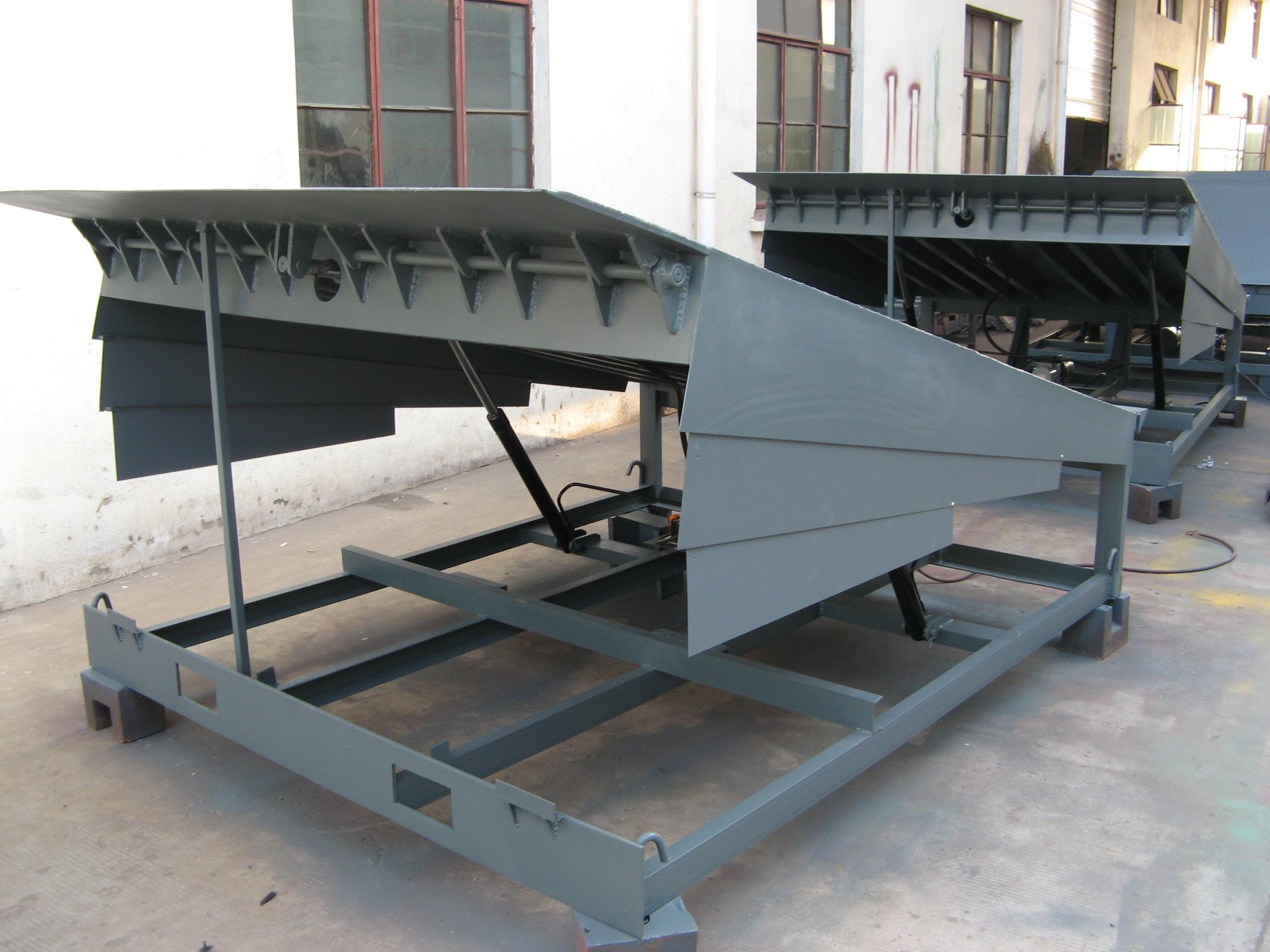 贵阳起重机-登车桥专业设计制造