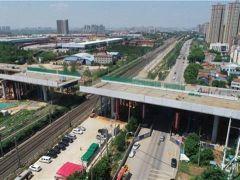 武汉四环线跨京广铁路高架桥右段顺利合龙!