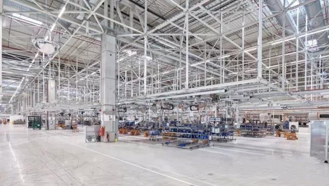 德马格起重机机械生产车间