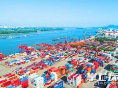 湖南首个汽车滚装码头10月首航 长沙新港三期工程正在抓紧建设