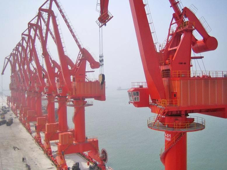 秦皇岛码头起重机