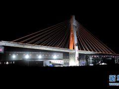 鄭萬高鐵1.65萬噸大橋成功轉體!在建鐵路順利跨越徐蘭高鐵