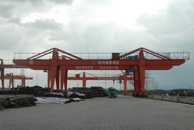重庆茂登门式起重装卸桥厂家销售安装