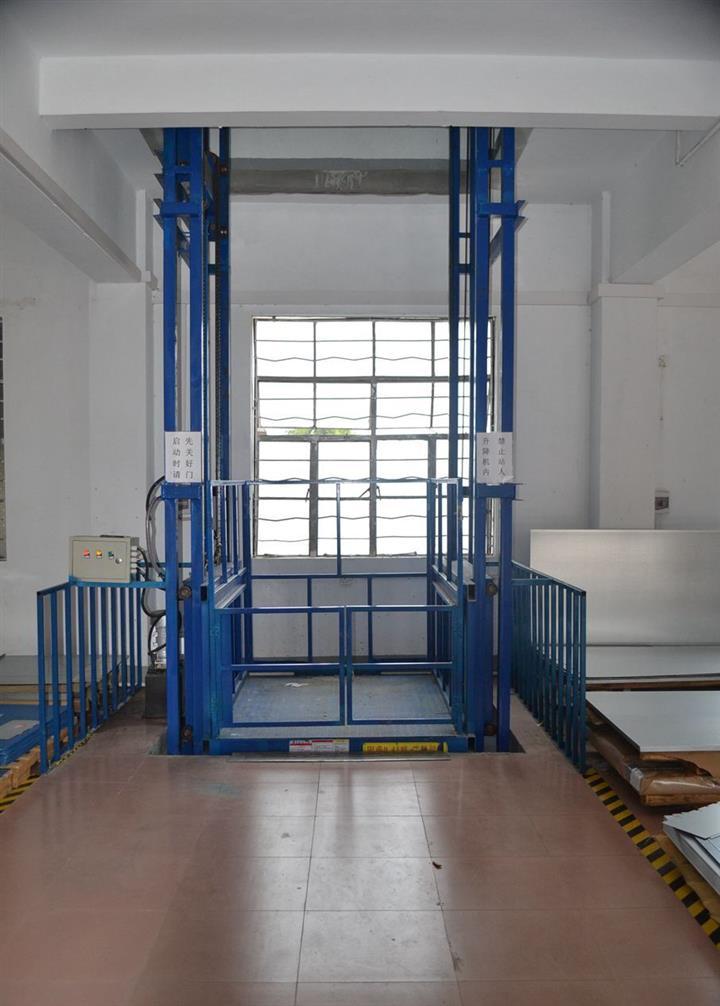 广州佛山厂家供应-导轨式升降货梯