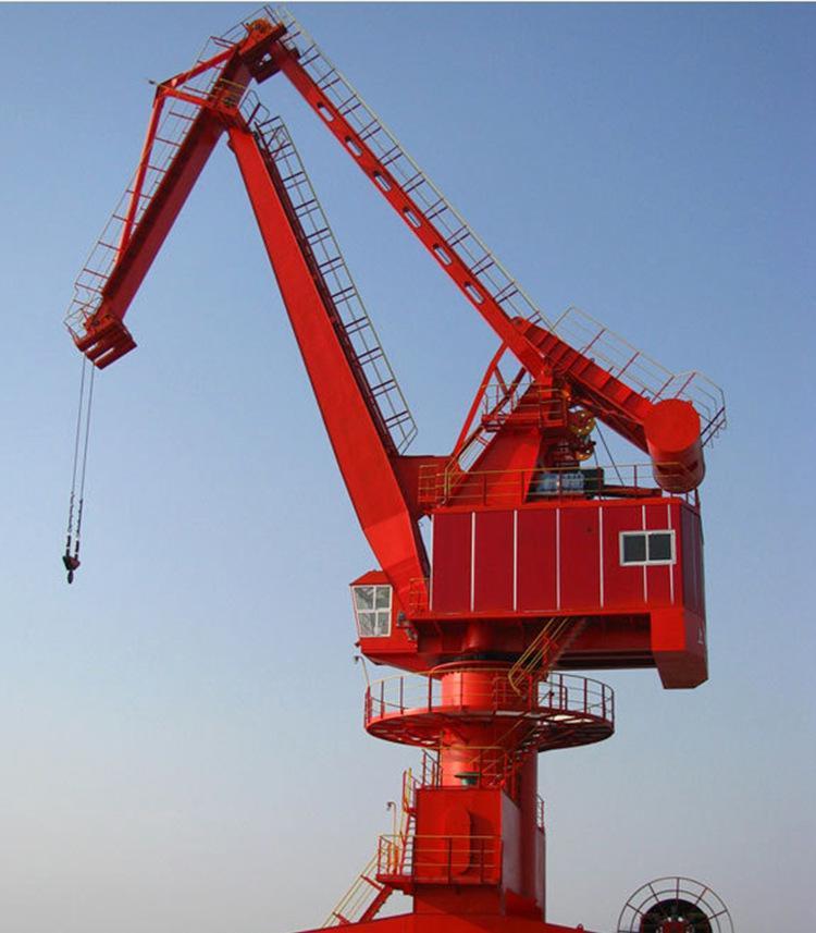 秦皇岛码头吊起重机