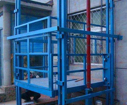 郑州2吨导轨式货梯
